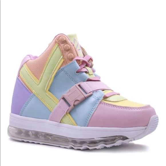 YRU Shoes   Iso Yru Qozmo Aiire Pastel
